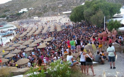 Super Paradise Beach Parti ve Deniz birarada