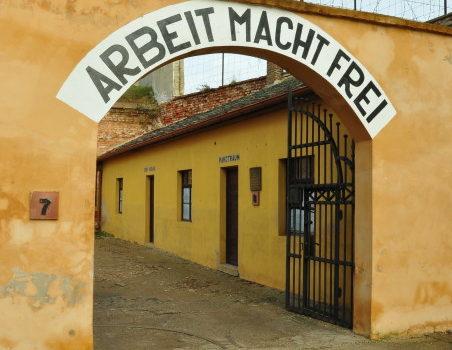 Terezin Nazi Kampı Prag