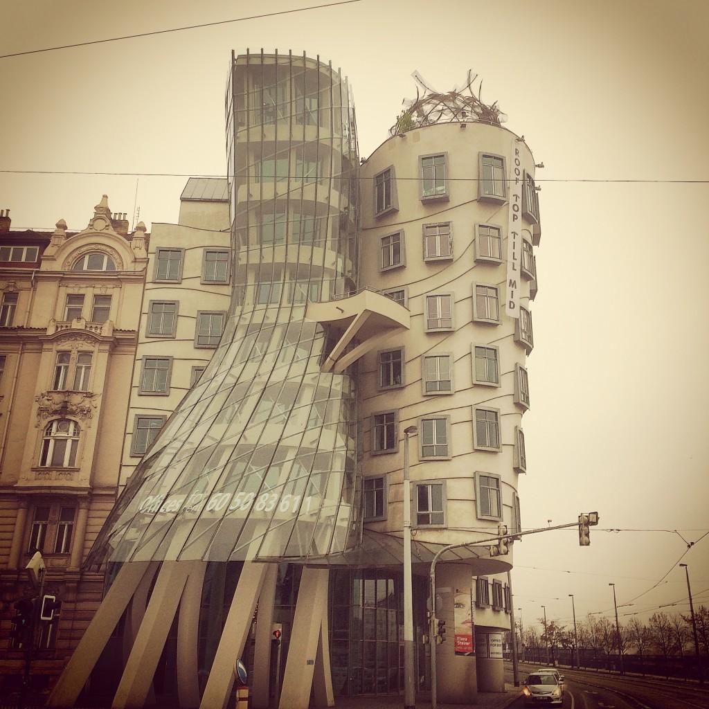 Prag Dans eden evler