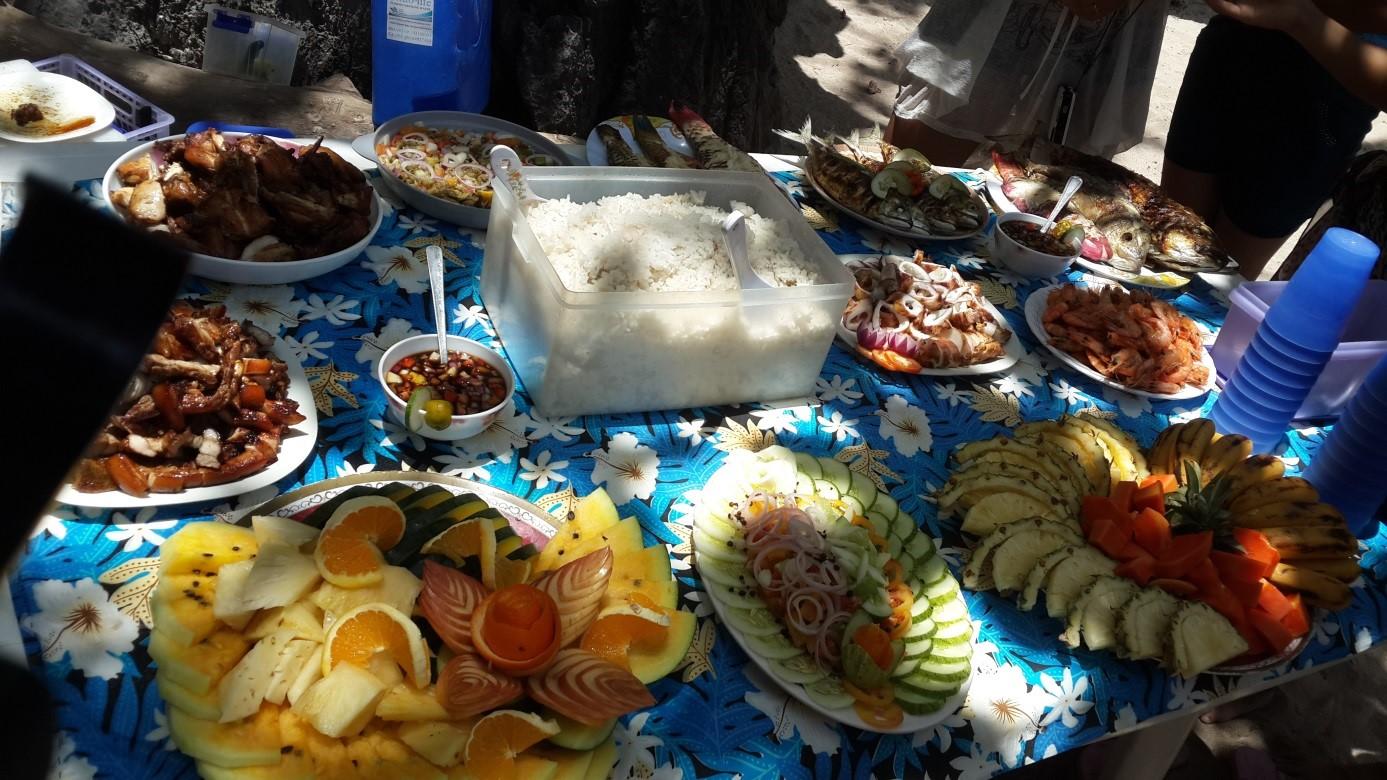 El Nido'da öğle yemeği