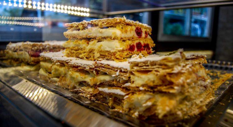 Burgazada Ergün Pastanesi Milföy Pastası