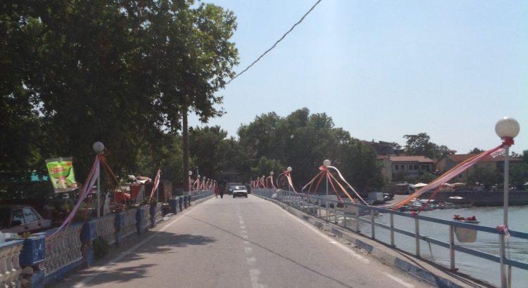 Halilbey Adasına Bağlayan Köprü