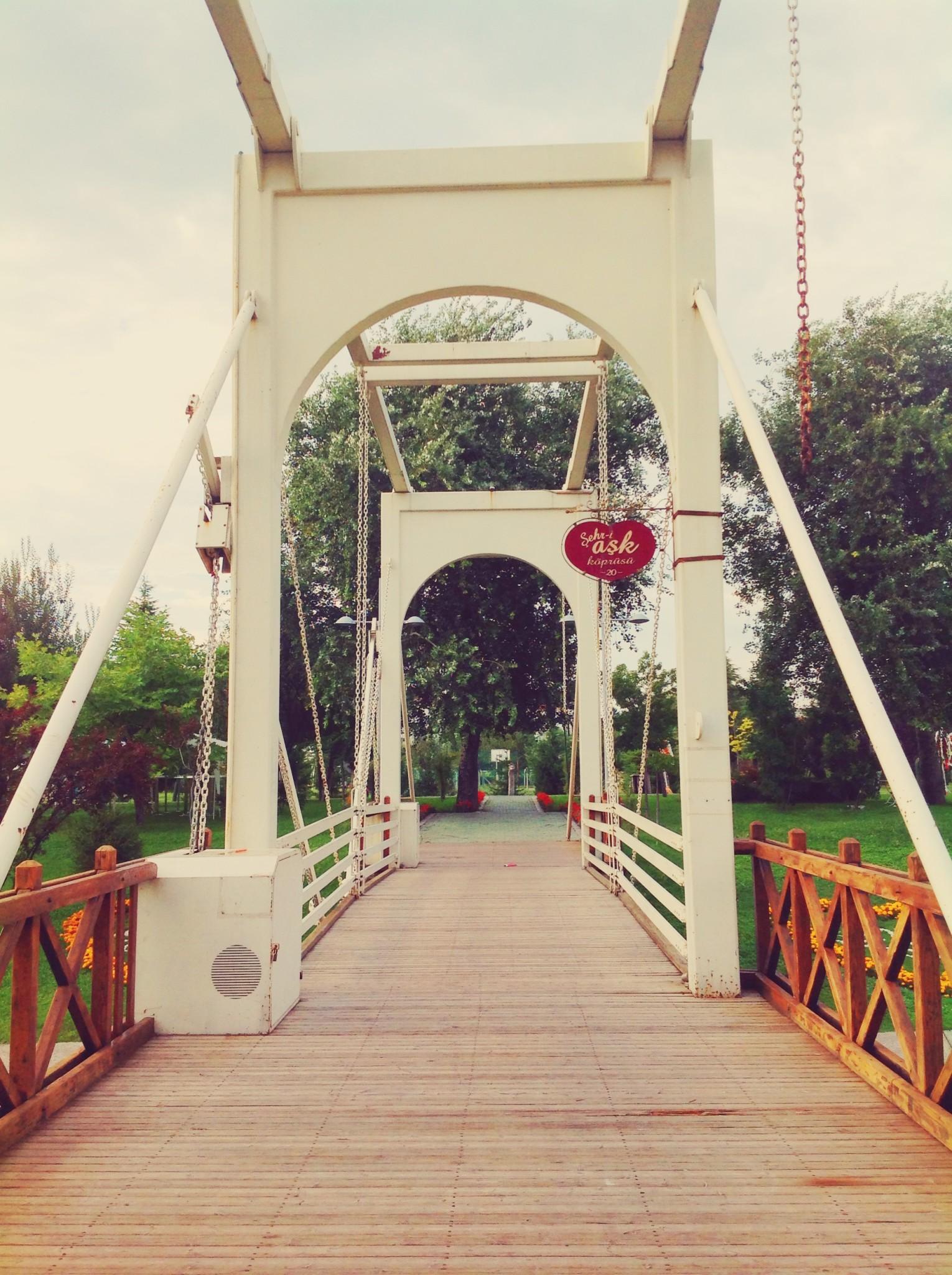 Eskişehir Şehri Aşk Köprüsü