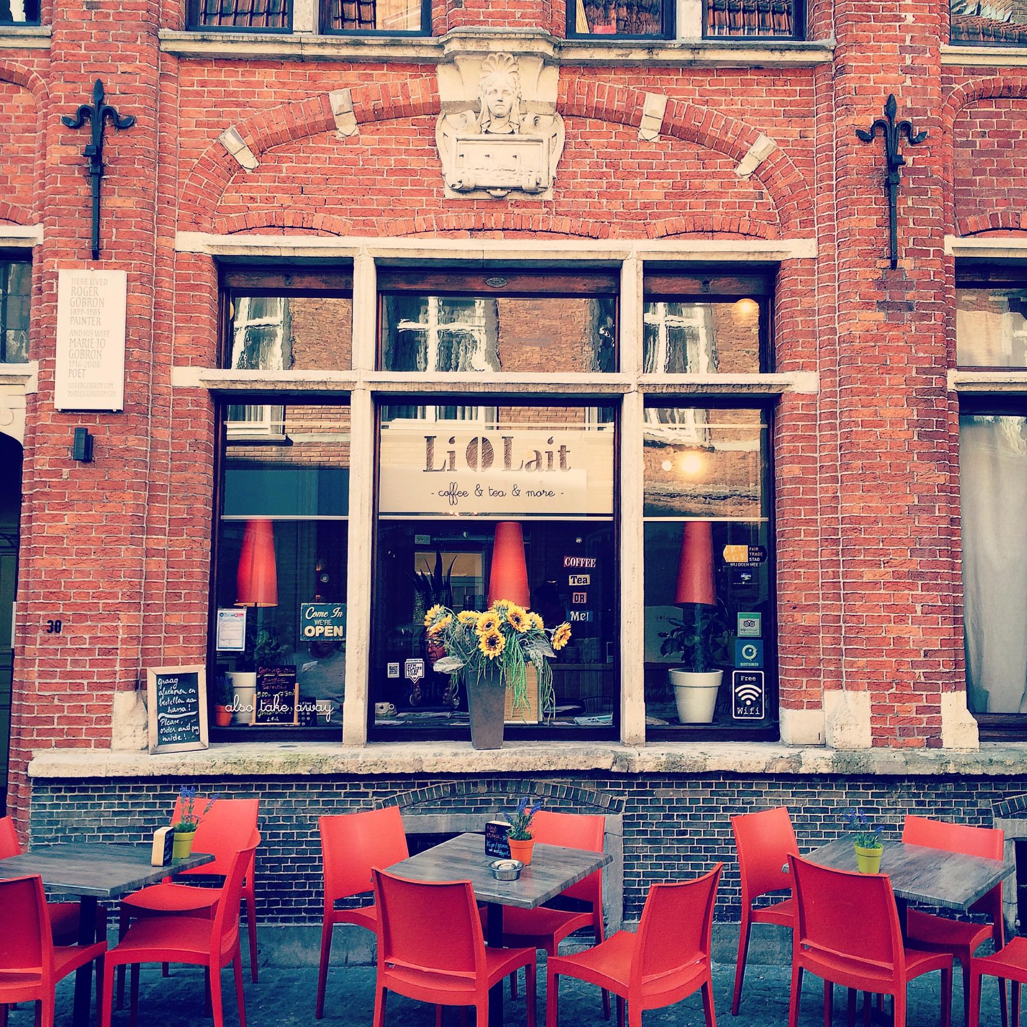 Burgge Li O Lait Cafe