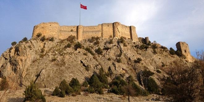Adana Feke Kalesi