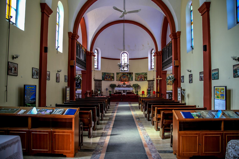 Bebekli Kilise İçi