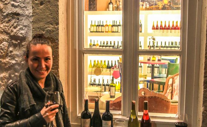 Arven Şarap Evi Önü