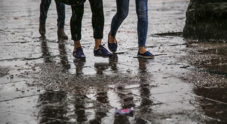 Yağmurlu İzmir