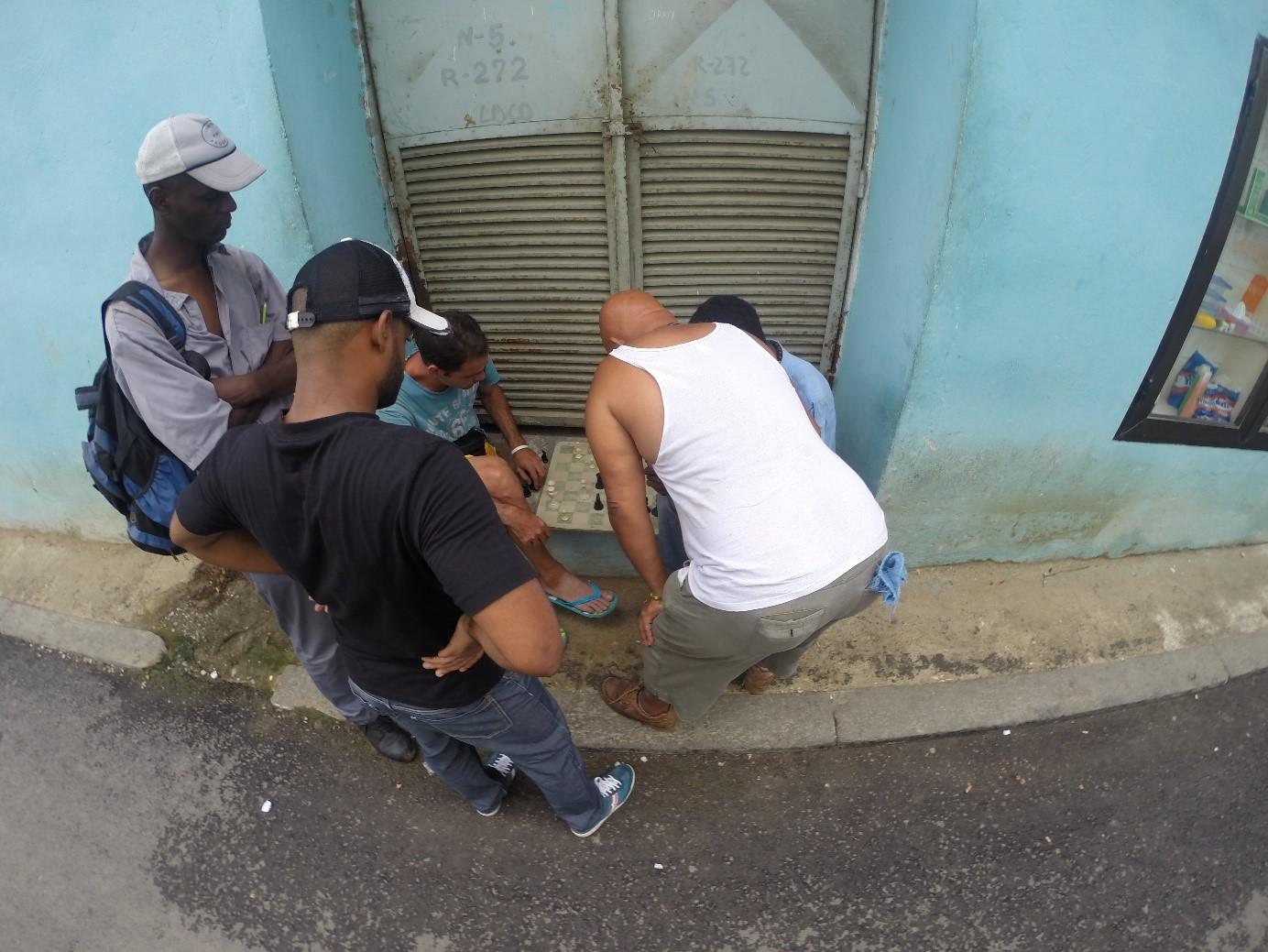 Küba Sokakları Satranç